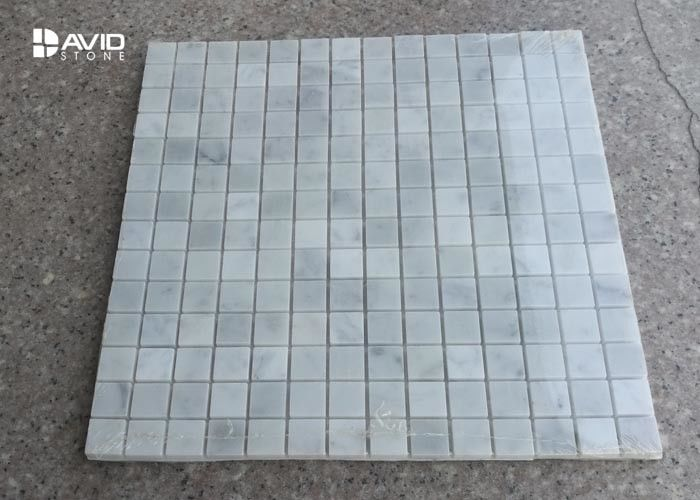 Natural Color Carrara Mosaic Polished Marble Floor Tiles 196 Pcs / Sheet